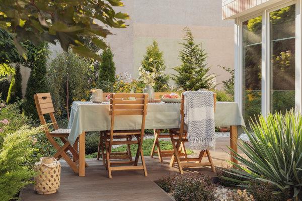 terrasse-pflanzen-sichtschutz